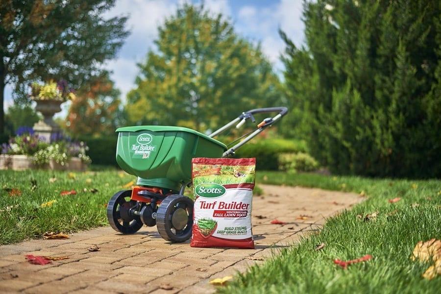Fertilizing Lawns