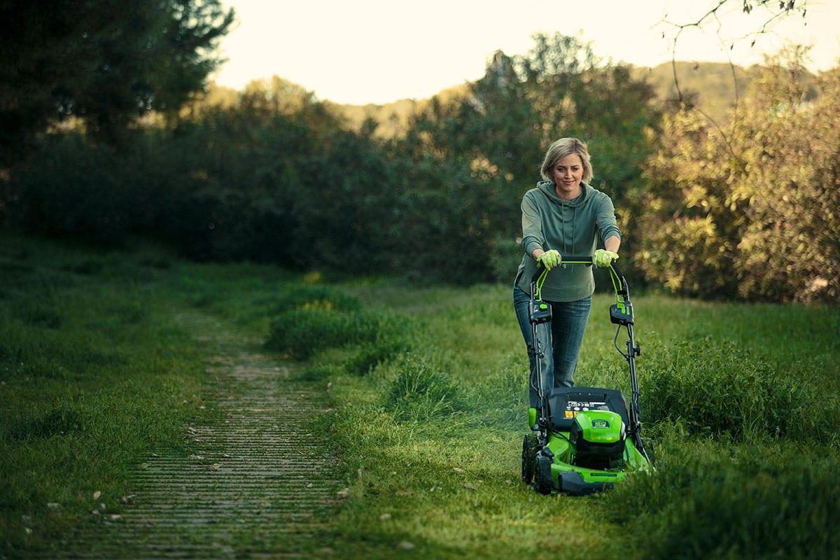 proper lawn mowing technique