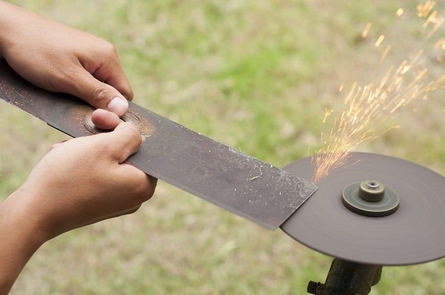 Sharpen Each Side maintain balance - Sharpen lawnmower blades