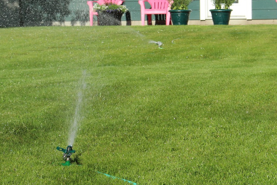Best Lawn Sprinkler: Take Care Of Your Yard